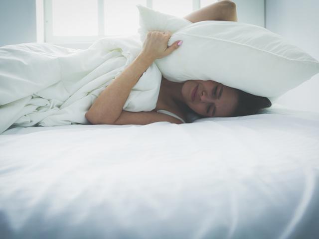 Schlafstörungen? - Gesunde Ernährung kann helfen | Praxis Schleicher & Brückl